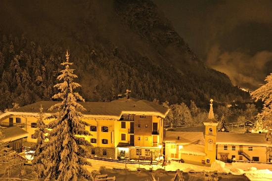 Antey Saint Andre, Ιταλία: Esterno invernale
