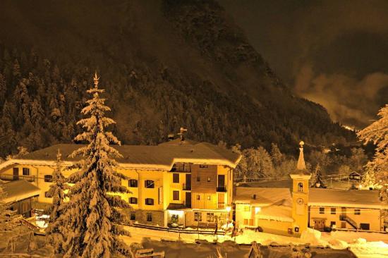 Antey Saint Andre, Ιταλία: Esterno inverno