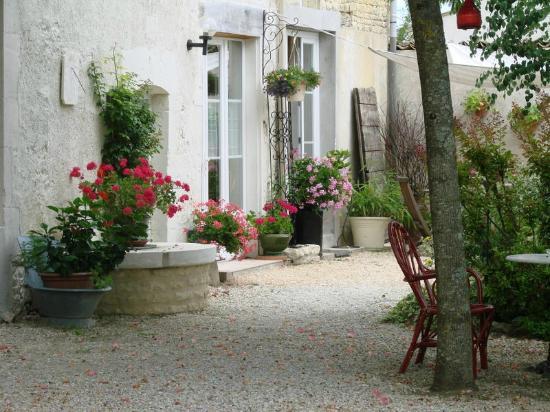 Saint-Mard, Francia: entrée chambre maison d'hôtes