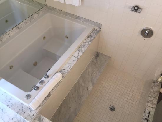 King SPA Large Standing Shower Plus Jacuzzi Picture Of Kimpton - Bathroom tile philadelphia