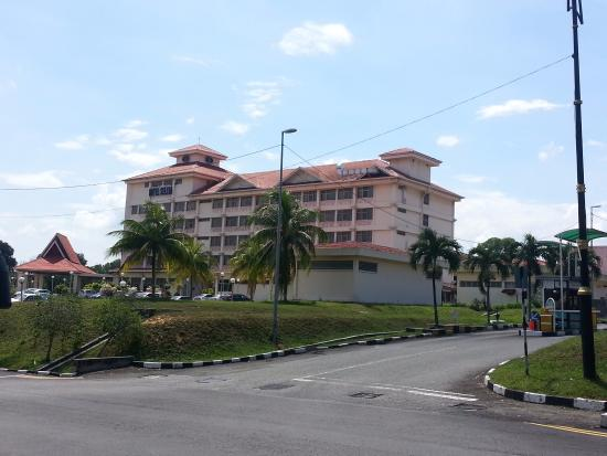 Pasir Gudang, Malezya: Hotel view from the road