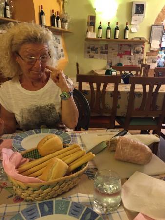 Bar Nuova Italia Di Cometta Silvana : Il locale con foto fatte da noi