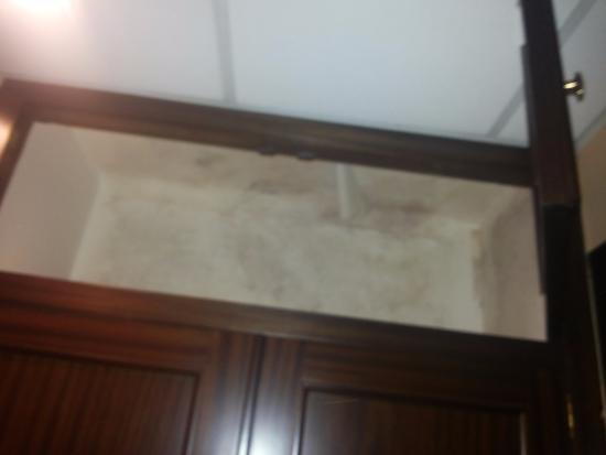Hotel City M28 : Armario