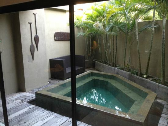 Cicada Luxury Townhouses: Plunge pool in rear of Villa