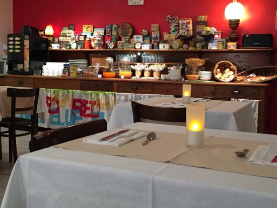 Hotel le National : Salle du petit déjeuner