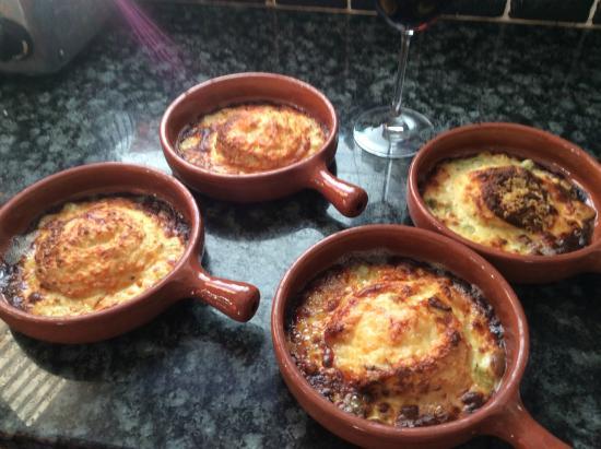 Saint Ewe, UK: yum - cheese soufles are ready