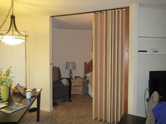 Landmark Orcas Island : door to master bedroom