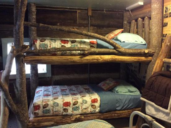 The Olde Mill Inn Bed & Breakfast: Bunk beds made from tree branches!