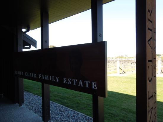 Saint Clair Family Estate Vineyard Kitchen: Entrada
