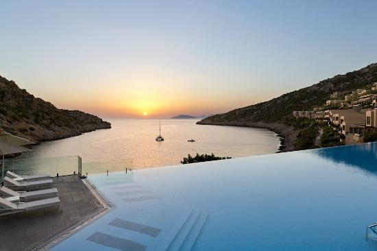 Daios Cove Luxury Resort & Villas: Sunrise at the Cove