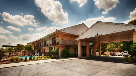 West Helena, AR: Hotel Exterior