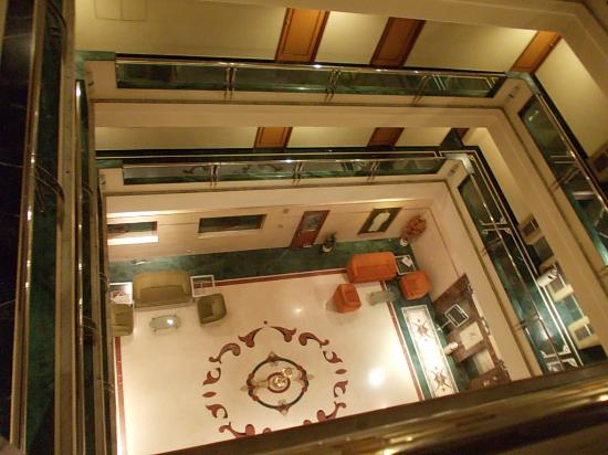 The Samrat Hotel: Atrium