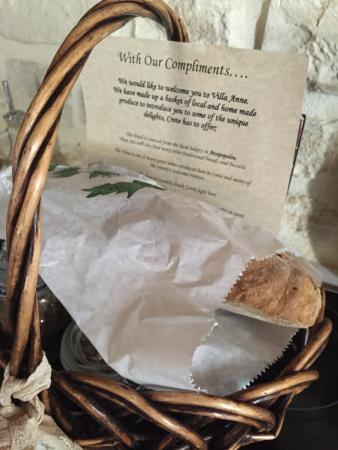 Prines, Grèce : Welcome basket from Villa Anne upon arrival