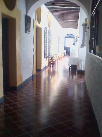 Hotel Ajau Colonial : CORREDOR