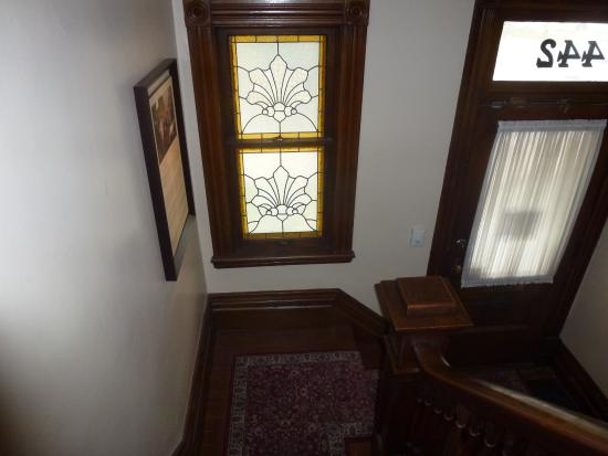 Banting House National Historic Site : Front Entrance Staircase