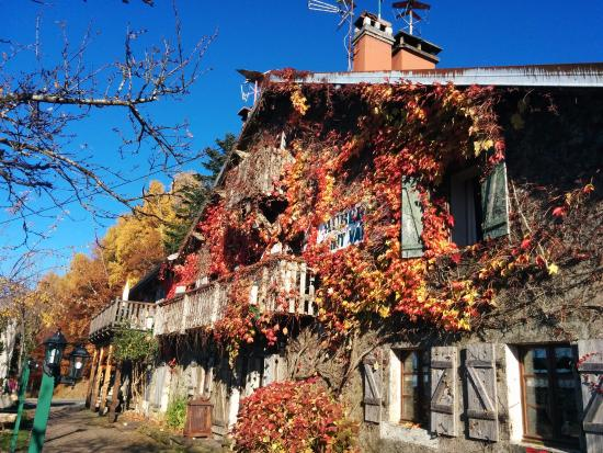 Girmont-Val-d'Ajol, France : The Auberge in Autumn