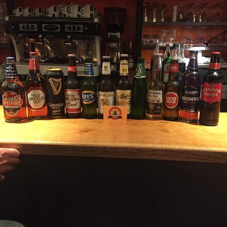 Gace, Francia: Les bieres bouteilles