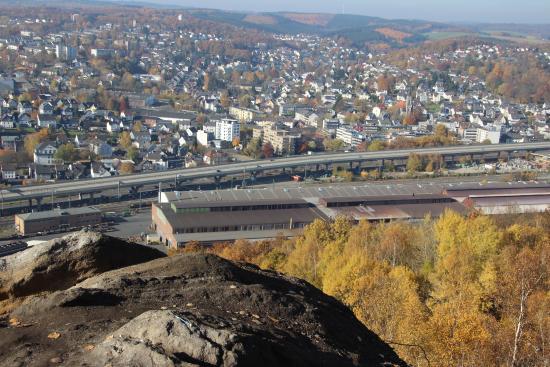 Siegen, Germany: Blick von der Kuppe auf Geisweid und die Hüttentalstrasse (HTS)