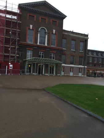Kensington 福尔摩斯会馆