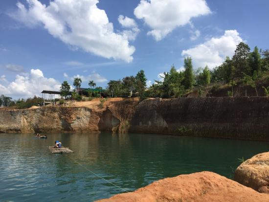 20151120090332_IMG_6571_large.jpg - Photo de Grand Canyon Water Park, Hang Do...