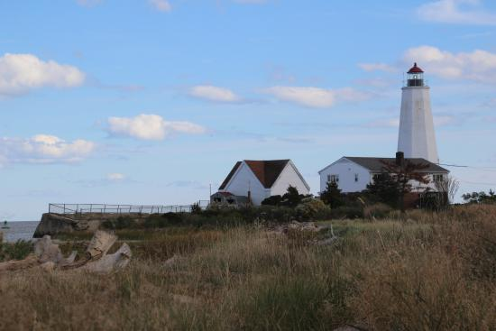 Old Saybrook, CT: Lynde Point Lighthouse