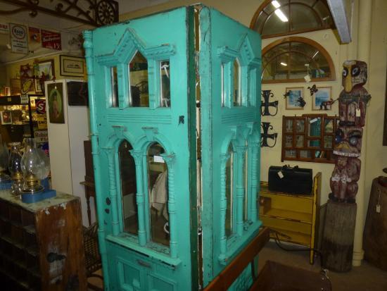 Barrie Antiques Centre: Victorian Doors