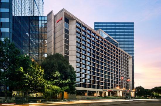 Dallas Marriott City Center: Exterior of Hotel