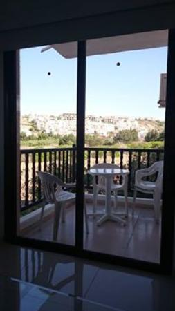 the balcony picture of hilltop gardens hotel apartments paphos rh tripadvisor co uk