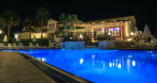 Venus Hotel & Suites: Venus by Night
