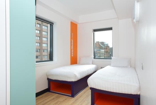 easyHotel Glasgow City: Standard Twin Room with Window