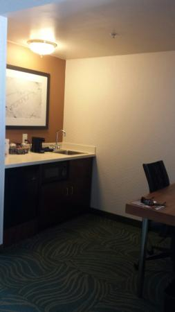 SpringHill Suites Philadelphia Willow Grove : Refrigerator, microwave & sink...great extra space