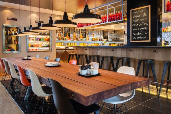 citizenM Schiphol Airport: canteenM