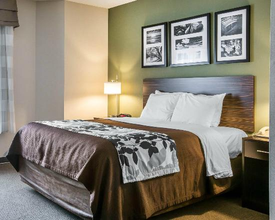 SLEEP INN & SUITES OF LAKE GEORGE $118 ($̶1̶4̶4̶) - Updated 2019