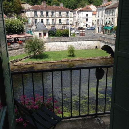 Hotel Restaurant Charbonnel: Blick aus dem Zimmer im 1. Stock auf die La Dronne