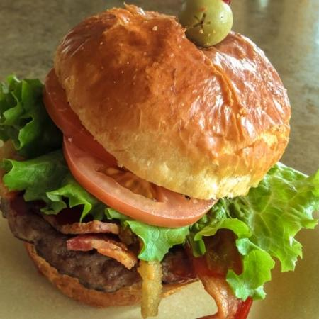 Cinder's Charcoal Grill: Best Burgers in Appleton