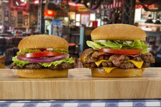 Villa Park, Илинойс: Char-Broiled Hamburger and Double Char-Broiled Bacon Cheeseburger