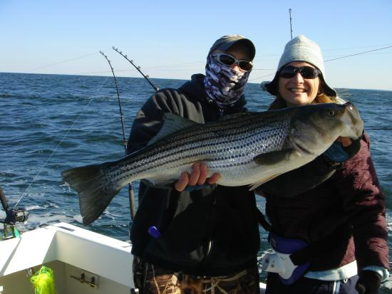 Chesapeake bay fishing charters rockfish striped bass for Deale md fishing charters