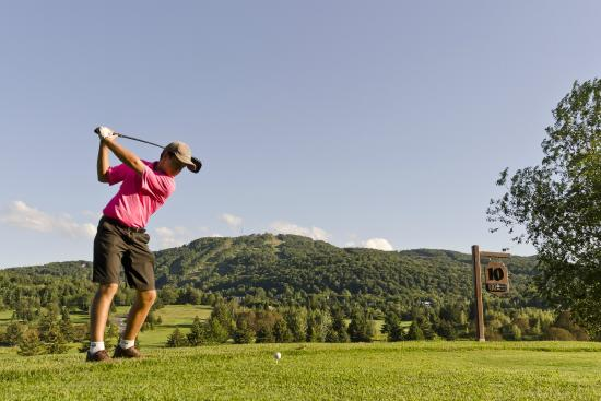 Golf Chateau Bromont: tee off