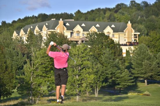 Golf Chateau Bromont: view of Chateau Bromont