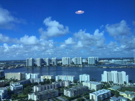 Санни-Айлс-Бич, Флорида: photo1.jpg