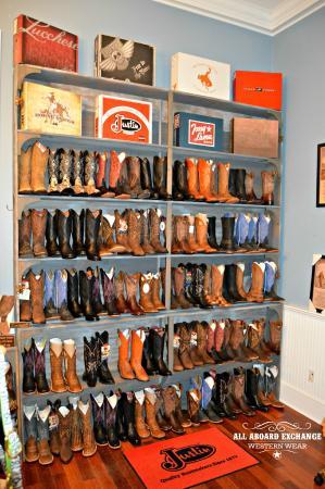Clayton, DE: Guys Boots