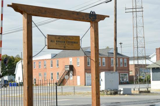 Clayton, DE: Sign