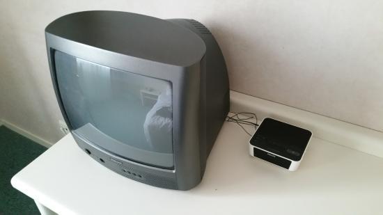 Hillegom, Holandia: Heel klein scherm op een oude TV.