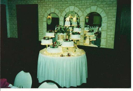 Waunakee, วิสคอนซิน: Round cake table