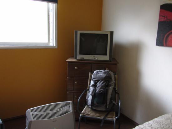 Hostel Lucia Suites: Uma das vantagens é que possui aquecimento elétrico, por isso escolhemos o hostel.