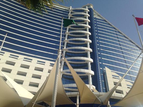 La Veranda: The hotel!