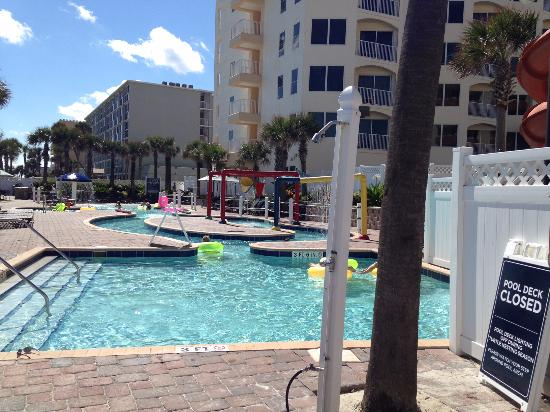 The Cove on Ormond Beach: Outdoor pool