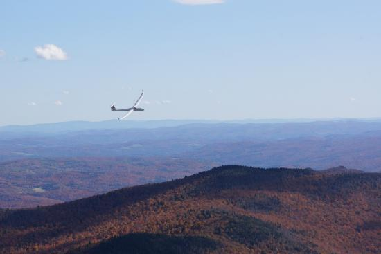 Warren, VT: Fly in a thermal with other gliders