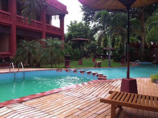 Sky Palace Hotel Bagan: piscina