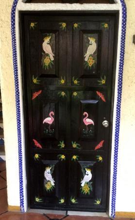 Hotel Flor de Maria : Mexican designs on all doors
